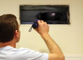 Checking HVAC ductwork for positive building pressure